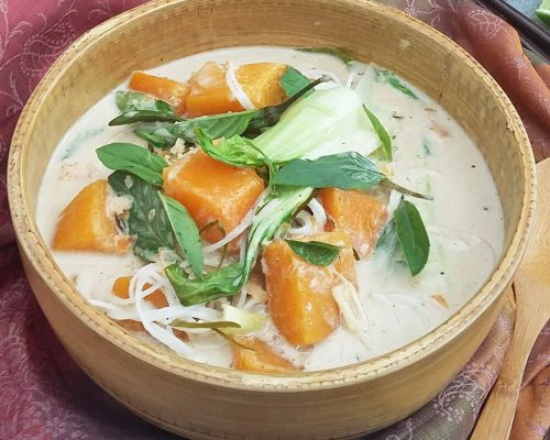 Recipe_Coconut_Galangal_and_pumpkin_soup_with_vermicelli_noodles